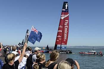 Oracle vence reduz desvantagem para Team New Zealand
