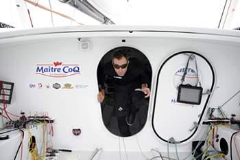 Veleiro da Vendée Globe dirige-se para Cabo Verde devido a problemas