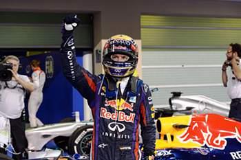 """Vettel consegue oitava """"pole"""" da época"""