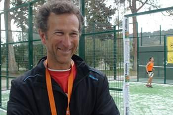 """Padel, o """"primo"""" do ténis a crescer em Portugal"""