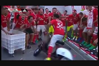 O Longo dia de um histórico Benfica 'tetracampeão'