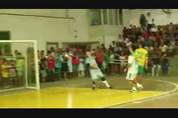Falcão do futsal com golo do outro mundo