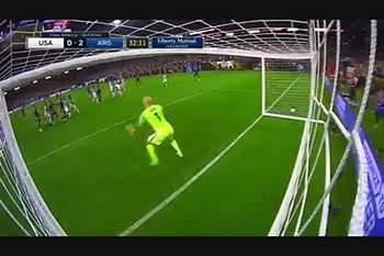 Messi faz história com golo que está a correr o mundo