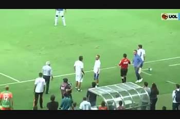 Paulo Bento é expulso ao serviço do Cruzeiro