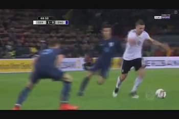 Podolski despede-se da seleção alemã com este golaço