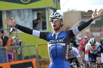 Colombiano Gaviria ganha etapa e lidera Volta à Polónia