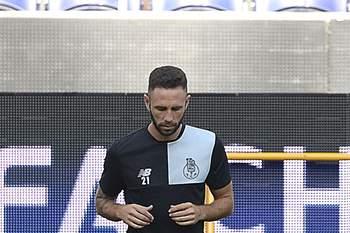 Miguel Layún pode estar na porta de saída do FC Porto