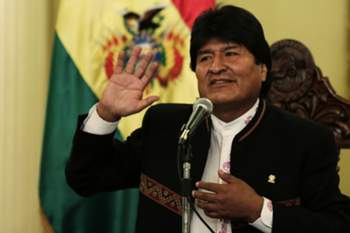 Evo Morales reeleito Presidente da Bolívia com 61% dos votos