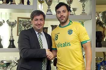 Andebolista assina pelo Sporting