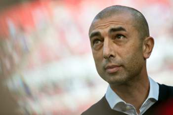 epa04767073 (FILE) Photo dated 10 May 2015 shows Schalke's head coach Roberto Di Matteo before the German Bundesliga soccer match between FC Cologne and FC Schalke 04 in Cologne, Germany. Bundesliga side Schalke have parted company with coach Roberto Di Matteo according to reports on 25 May 2015. EPA/MAJA HITIJ