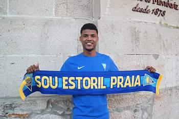 Ailton deixa o Estoril-Praia e assina pelo Estugarda