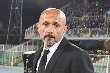 Luciano Spalletti assinou contrato pelo Inter de Milão.