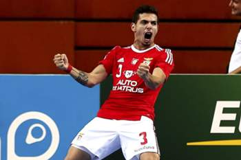 Benfica's player Bruno Coelho jubilating after scoring a goal against Barcelona during their Futsal Masters Cup tournament played in Meo Arena of Lisbon, 22nd august 2015. TIAGO PETINGA/LUSA