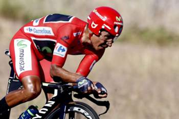 epa05532002 Colombian Nairo Quintana of Movistar team in action during the 19th stage of La Vuelta cycling race, a race against the clock of 37 km between Javea and Calpe in Valencia, eastern Spain, 09 September 2016. EPA/JAVIER LIZON