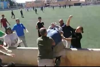Luta feia entre pais num encontro de juniores em Espanha