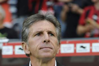 epa04893520 Claude Puel, coach of Nice during the French Ligue 1 soccer match between OGC Nice and Lille OSC at the Allianz Riviera, in Nice, France, 22 August 2015.