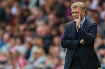 epa05899163 Sunderland manager David Moyes reacts during the English Premier League soccer match between Sunderland FC and Manchester United at the Stadium of Light, Sunderland, Britain, 09 April 2017. EPA/PETER POWELL EDITORIAL USE ONLY. No use with unauthorized audio, video, data, fixture lists, club/league logos or 'live' services. Online in-match use limited to 75 images, no video emulation. No use in betting, games or single club/league/player publications