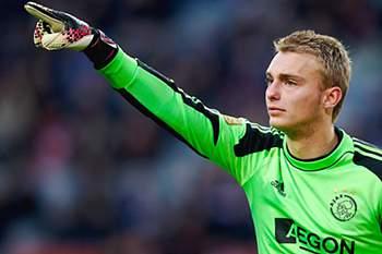 FC Barcelona negoceia com Ajax contratação do guarda-redes Jasper Cillensen