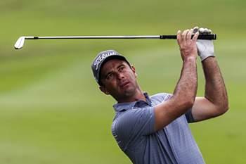 O golfista português em ação.