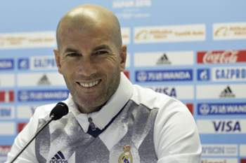 epa05674808 Real Madrid's French head coach Zinedine Zidane attends an official press conference ahead of their semifinal match in the FIFA Club World Cup 2016 at Yokohama International Stadium in Yokohama, south of Tokyo, Japan, 14 December 2016. Real Madrid will face Club America in the semifinal match on 15 December. EPA/KIYOSHI OTA