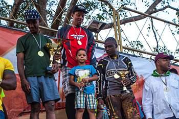 Pilotos da Transchipeta e da Team ORBEL vencem segundona no Campeonato angolano de Motocross