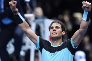 epa05034853 Rafael Nadal of Spain celebrates after winning against David Ferrer of Spain during their Round Robin match for the ATP World Tour Finals in London, Britain, 20 November 2015. EPA/FACUNDO ARRIZABALAGA