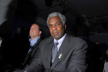 NEW YORK, NY - DECEMBER 05: Former professional basketball player Charles Oakley attends the 2012 Sports Illustrated Sportsman of the Year award presentation at Espace on December 5, 2012 in New York City. Michael Loccisano/Getty Images/AFP