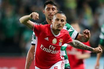Benfica fecha a porta à saída de Fejsa