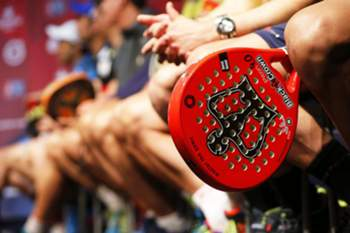 epa05211470 A Padel racquet on display during the presentation of the World Padel Tour 2016 in Madrid, Spain, 14 March 2016. The World Padel Tour 2016 will kick off in Gijon, Spain on 28 March 2016 and will tour through various Spanish cities and Monaco, Argentina, Portugal and Italy. EPA/MARISCAL