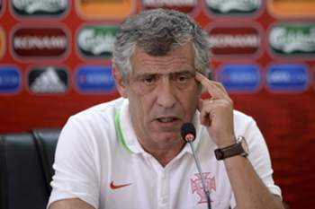 Portugal's national soccer team's team's head coach Fernando Santos attends to a press conference in view of the upcoming match against Armenia at Republican Stadium, in Yerevan, Armenia, 12 June 2015. Portugal will face Armenia in the UEFA EURO 2016 qualifying soccer match on 13 June 2015. HUGO DELGADO/LUSA