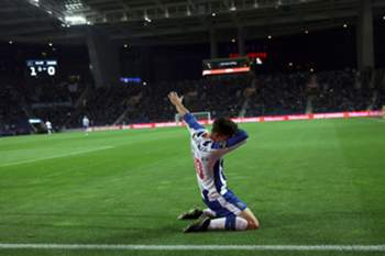FC Porto's player Andre Silva celebrates after scoring a goal against Moreirense during the Portuguese First League soccer match held at Dragao stadium in Porto, Portugal, 15 january 2017. ESTELA SILVA/LUSA