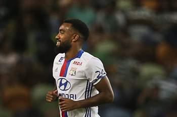 Lyon rejeita 40 milhões de euros do Atlético de Madrid por Lacazette