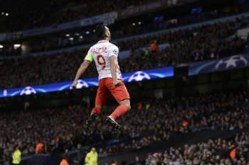 Monaco's Colombian forward Radamel Falcao celebrates scoring an equalising goal for 1-1 during the UEFA Champions League Round of 16 first-leg football match between Manchester City and Monaco at the Etihad Stadium in Manchester, north west England on February 21, 2017. / AFP PHOTO / Oli SCARFF