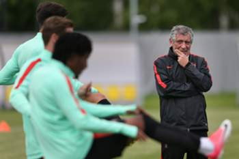 Portugal's national soccer team head coach Fernando Santos leads his team's training session at Turbostroitel Stadium in St. Petersburg, Russia, 23 June 2017. Portugal will face New Zealand in a FIFA Confederations Cup Group A match on 24th June. MARIO CRUZ/LUSA