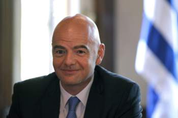 epa05236460 FIFA President Gianni Infantino smiles during a press conference at presidential palace, in Montevideo, Uruguay, on 30 March 2016. Infantino is on an official tour of Latin America, which is taking him to Bolivia, Paraguay, Uruguay and Colombia. EPA/Juan Ignacio Mazzoni