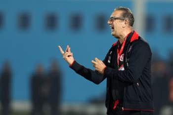 epa04495942 Tunisian national soccer coach Belgian Georges Leekens reacts during the African Cup of Nations 2015 qualifying soccer match between Tunisia and Egypt at Mustapha Ben Jennet Stadium in Monastir south of Tunis, Tunisia, 19 November 2014. EPA/MOHAMED MESSARA