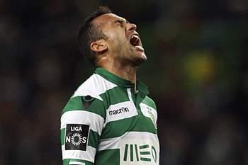 Lateral brasileiro continua a ser seguido por clubes estrangeiros.