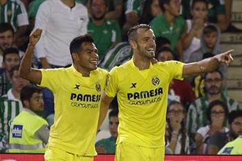 Soldado celebra um golo pelo Villarreal.