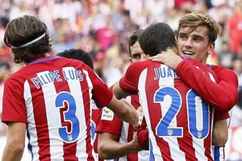 Griezmann celebra o golo da vitória do Atlético Madrid frente ao Deportivo da Corunha.