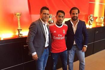Luquinhas assina pelo Benfica