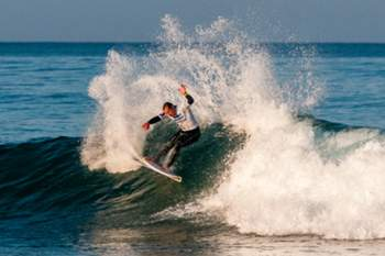 Surfista português à procura do título.
