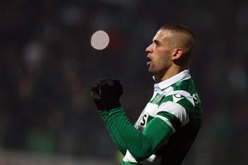 Sporting's Islam Slimani celebrates after scoring a goal against Pacos de Ferreira during their Portuguese First League soccer match held at Mata Real stadium, Pacos de Ferreira, Portugal, 23th January 2016. JOSE COELHO/LUSA