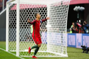 Portugal's Cristiano Ronaldo celebrates after scoring a goal against New Zealand during the FIFA Confederations Cup Group A match at Saint Petersburg Stadium, in St. Petersburg, Russia, 24 June 2017. MARIO CRUZ/LUSA