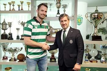 Bjelanovic renovou contrato com o Sporting.