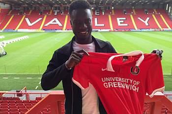 Naby Sarr confirmado no Charlton