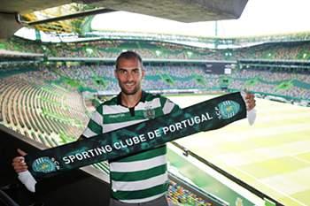 Bas Dost confirmado como reforço do Sporting
