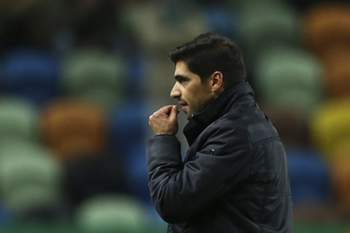 Braga's coach Abel Ferreira reacts at the end of the Portuguese First League soccer match against Sporting at Alvalade stadium in Lisbon, Portugal, 18 December 2016.