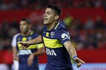 Pavón celebra um golo pelo Boca Juniors • Pavón celebra um golo pelo Boca Juniors. • EPA/JULIO MUNOZ