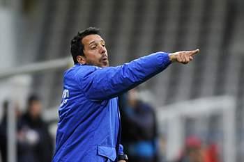 Nandinho dá indicações durante o jogo entre Gil Vicente e Nacional da Madeira para a Taça de Portugal.