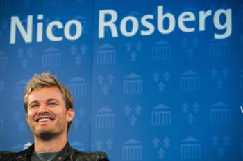 epa05653254 The new Formula 1 world champion German Nico Rosberg in Wiesbaden, Germany, 30 November 2016. Nico Rosberg was born in Wiesbaden, and today he was received by the mayor of Wiesbaden. EPA/ANDREAS ARNOLD